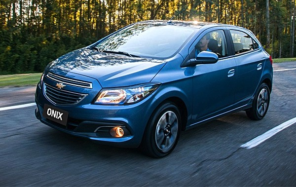 Chevrolet Onix Brazil September 2014. Picture courtesy of revistaautoesporte