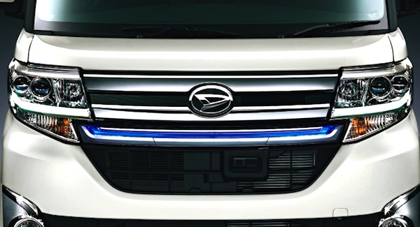 Daihatsu Tanto Japan September 2014. Picture courtesy of cliccar.com