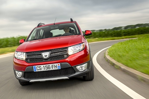 Dacia Sandero Stepway France October 2014. Picture courtesy of largus.fr