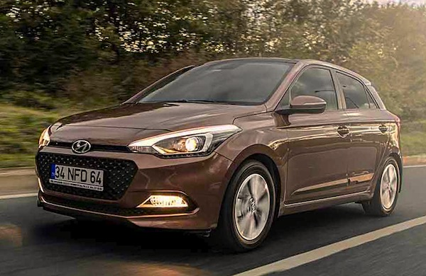Hyundai i20 Turkey October 2014. Picture courtesy of automagg.com