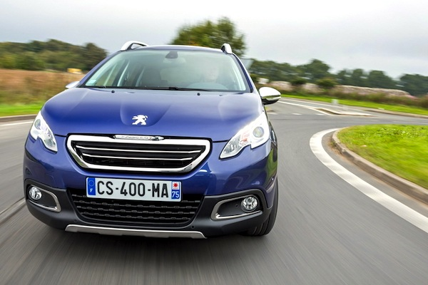 Peugeot 2008 France October 2014. Picture courtesy of largus.fr