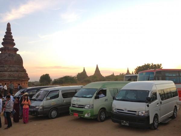 8. Toyota Hiace Bagan 2