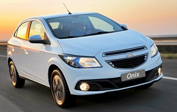 Chevrolet Onix Brazil December 2014. Picture courtesy of revistaautoesporte.globo.com