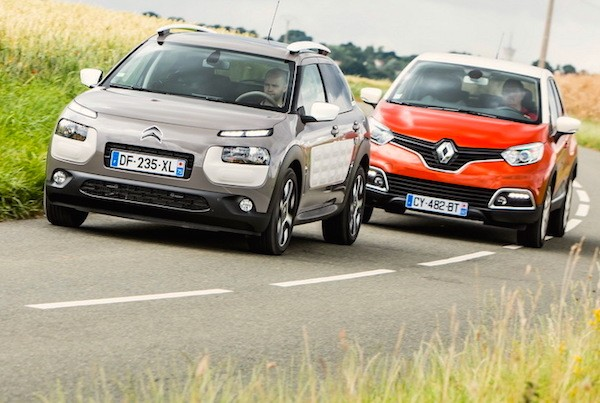 Citroen C4 Cactus Renault Captur Spain January 2015. Picture courtesy largus.fr