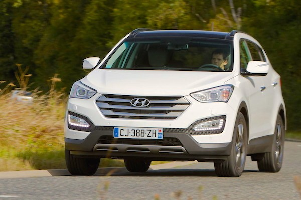 Hyundai Santa Fe Moldova 2014. Picture courtesy largus.fr