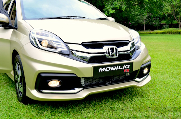 Honda Mobilio RS Singapore February 2015. Picture courtesy indiaautosblog.com