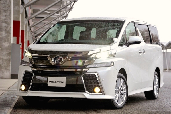 Toyota Vellfire Japan February 2015. Picture courtesy response.jp
