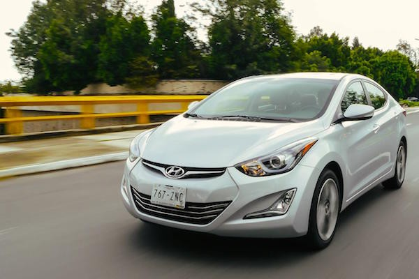 Hyundai Elantra Mexico May 2015. Picture courtesy autocosmos.com