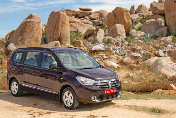 Renault Lodgy India May 2015. Picture courtesy carindia.in