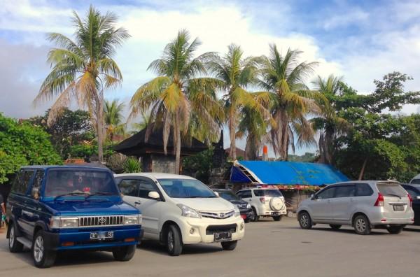 3. Toyota Kijang Daihatsu Xenia Bali June 2015