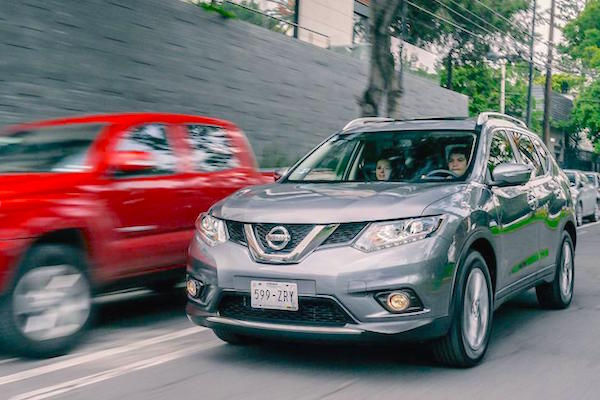 Nissan X-Trail Mexico June 2015. Picture courtesy autocosmos.com