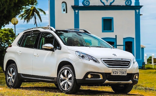 Peugeot 2008 Brazil June 2015. Picture courtesy carros.uol.com.br