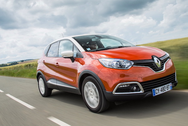 Renault Captur France June 2015. Picture courtesy largus.fr