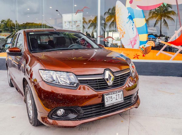 Renault Logan Mexico June 2015. Picture courtesy autocosmos.com.mx