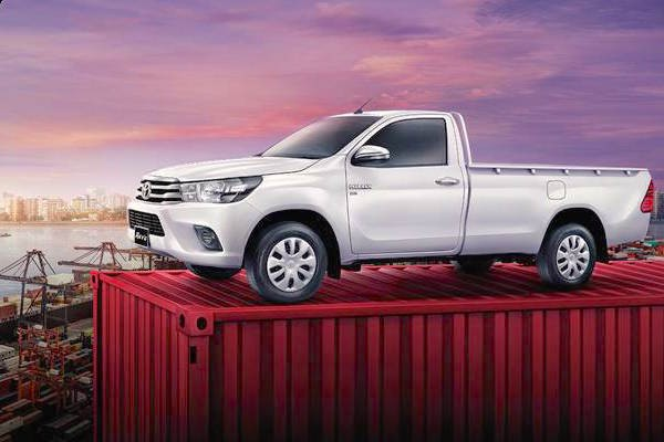 Toyota Hilux Thailand July 2015