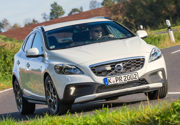 Volvo V40 Netherlands July 2015
