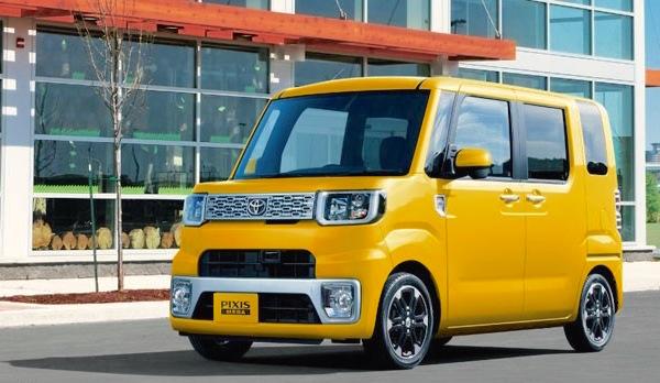 Toyota Pixis Mega Japan August 2015