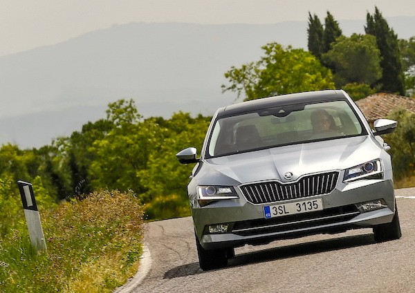 Skoda Superb France September 2015. Picture courtesy largus.fr