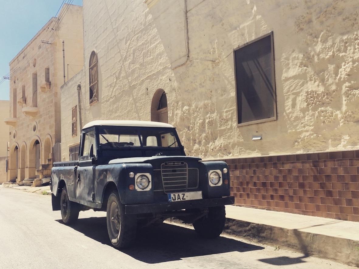 1 Land Rover Nadur Gozo